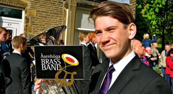 Åsenhöga Brass Band i Delph 2015 (med B&R i tåget..)